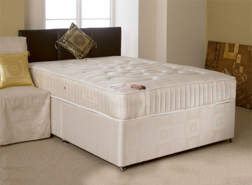 "Wetherby orthopeadic 4ft 6"" double divan set"